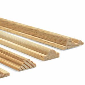 [:fr]Baguettes en bois avec structure[:de]Holzleisten, Zierleisten mit Struktur[:]
